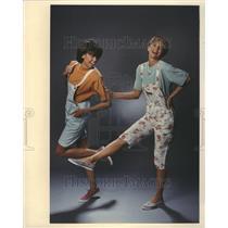1990 Press Photo Fashion Women - RRR51705