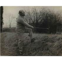 1920 Press Photo Attorney General Palmer golfing and lands in the rough