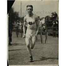 1913 Press Photo Track runner Maurer at practice at track meet - net21467