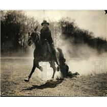 1924 Press Photo A cowboy in a event at a rodeo - net21905