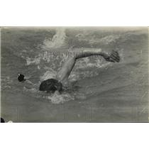1918 Press Photo Swimmer Lanbis in a event at a meet - net21917