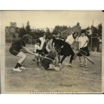 1927 Press Photo Southern California Girls' Lacrosse League Team Practicing