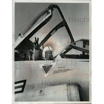 1966 Press Photo Governor Knowles of Wisconsin in the cockpit of TF-102 jet