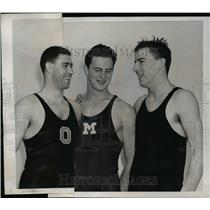 1920 Press Photo College swimmers Jim Higgins, Gus Sharemet, Andy Clark