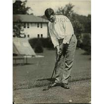 1921 Press Photo William D Robinson at golf at Columbia course - net23531