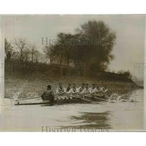1928 Press Photo Oxford crew at Putney practice for a boat race - net23893