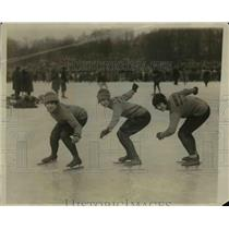 1927 Press Photo Helen Steiner, Helen Pieper, Alice Reiser Silver Skates in NY