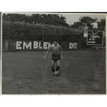 1941 Press Photo Juan Tunas of Puentes Grandes Soccer in Havana Cuba - net23936