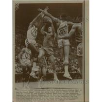 1968 Press Photo Lenny Wilkins of Hawks vs Warrioprs Bob Warlick, Bill Turner