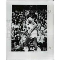 1978 Press Photo Wilbur Holland of Chicago Bulls in action - net24096