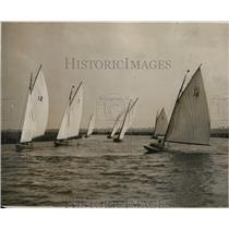 1931 Press Photo Waverley Sailing Club races from Oulton to Somerleyt