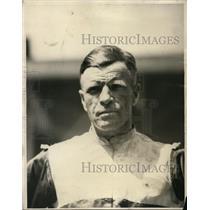 1920 Press Photo Jockey Willie Taylor at a race track - net24814
