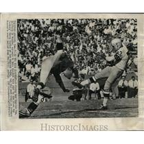 1963 Press Photo Diving Los Angeles Ram Ed Meador appears to have blocked punt.