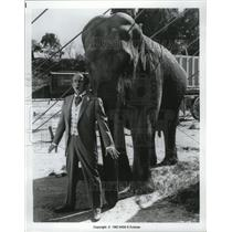 1962 Press Photo Elephant Jumbo and Jimmy Durante stars in a circus musical
