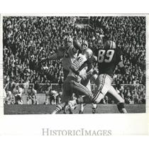 1965 Press Photo Near miss by Monty Stickles of San Francisco was incomplete.