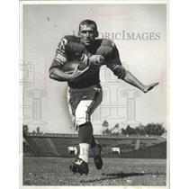 1958 Press Photo Jon Arnett, Halfback from Southern Calif. Rams triple threat.