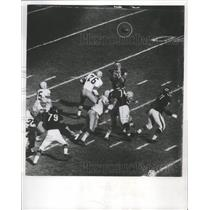 1965 Press Photo A low pass by Bart Starr of the Packers deflected by a lineman.