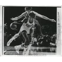 1978 Press Photo The Bucks Junior Bridgeman lost control of the ball.