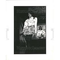 1988 Press Photo Fashion - RRR64861