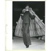 1988 Press Photo Fashion - RRR64931