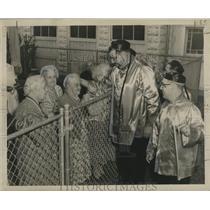 1957 Press Photo Krewe of China Dolls Visit Convalescents, Mardi Gras