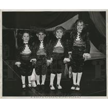 1955 Press Photo Kids Dressed Up For Mardi Gras, Maskers-New Orleans - noca00111
