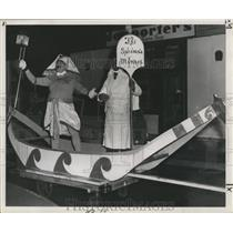 1953 Press Photo Egyptian Costume Float, Mardi Gras, New Orleans-Sphynx's Minxes