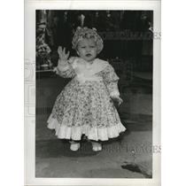 1953 Press Photo Susan Krants, 15 months old dressed for Mardi Gras - noca00670