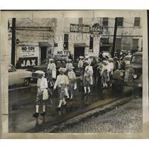1955 Press Photo Krewe of Arabi Parades Down New Orleans Street - noca01314