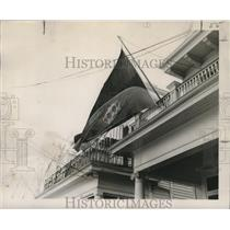 1953 Press Photo Carnival Flag at the Home of Mrs. Bland, Mardi Gras New Orleana