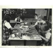 Press Photo School Girls Decorating Carnival Masks in Jefferson Parish