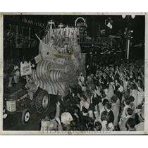 1957 Press Photo Christopher Columbus Float for Krewe of Babylon, Mardi Gras, LA