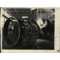 1931 Press Photo Welding Operators at Westinghouse Electric & Manufacturing