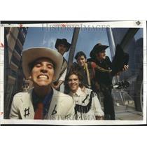 1990 Press Photo Western GarbLead Singer Goober Pea Po - RRR79165
