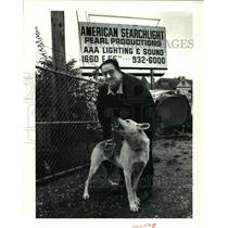 1991 Press Photo Mort Myers with 125lbs German Sheppard- protect his property