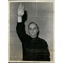 1938 Press Photo Dr. J.G. Lambert Giving Fascist Salute, Montreal, Canada