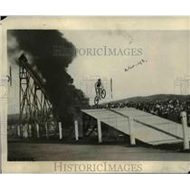 """1921 Press Photo Mr Fasward Completing a """"Leap of Death"""" Flying Thru Space"""