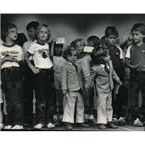 1983 Press Photo Children competed in the look-alike twins contest at the fair.