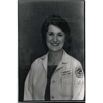 1988 Press Photo Patt Kostka Dietician at Zablochi Veterans Medical Center