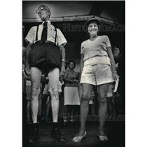 1984 Press Photo Arthur Groth and Flora Gould showed off during the legs contest
