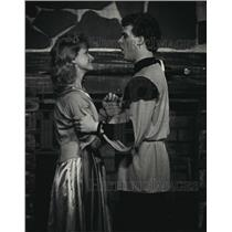 1988 Press Photo Phyllis Agnew, Jerry Becher in Musical for Lake Country Players