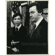 1978 Press Photo Dennis Kucinich Cleveland Mayor With Richard Hongisto Dismissal