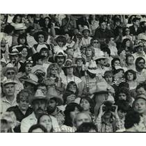 1981 Press Photo Fairgoers Adopted a Western Look for the Willie Nelson Concert