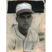 1937 Press Photo Ed Miller of Cinncinati baseball team - net26614