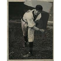1933 Press Photo Monte Pearson pitcher from Toledo joins Indians - net26681