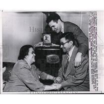 1958 Press Photo Family of Raymond Medina Celebrating Communist POW's Release