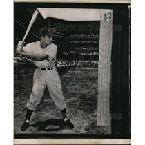 1949 Press Photo Dino Restelli of the Pittsburgh Pirates at bat - net29029