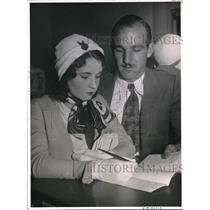 1932 Press Photo Race driver Arvol Mark Brunmier to wed Clara Lee Smith