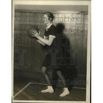 1927 Press Photo Kay Meehan of Hunter College girls basketball - net29177