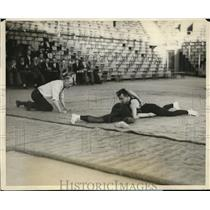 1928 Press Photo Penn State wrestling Wally Liggett vs Bogden - net29401